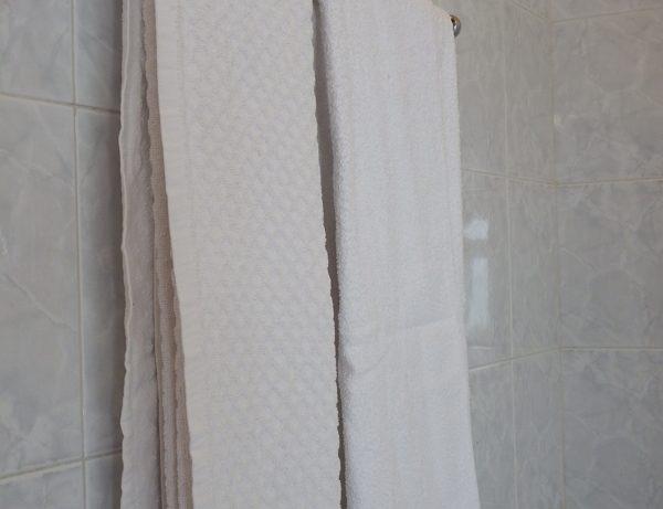 bagno in camera asciugamani hotel touring messina