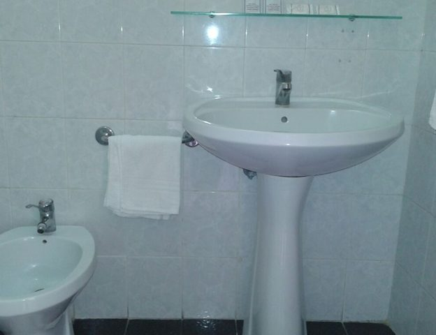 bagno in camera hotel touring messina