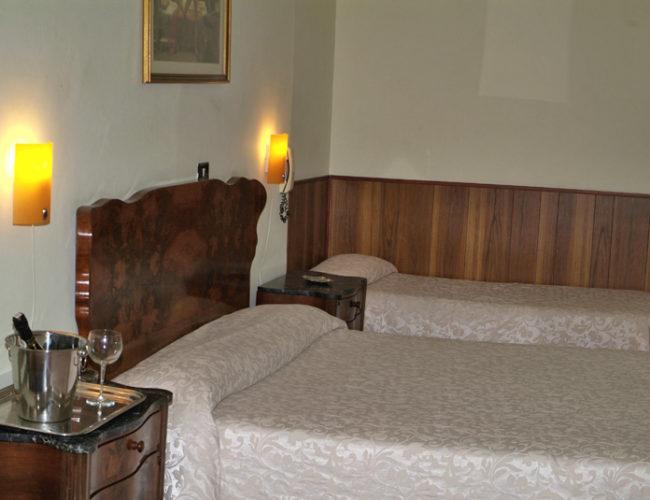 camera tripla Hotel Touring Messina