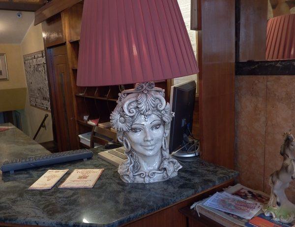 hall particolare hotel touring messina