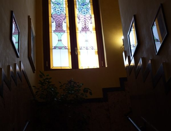 finestra decorata hotel touring messina